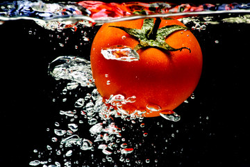 Tomato water splash