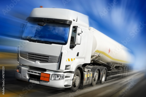 truck with fuel tank in motion - 16781320