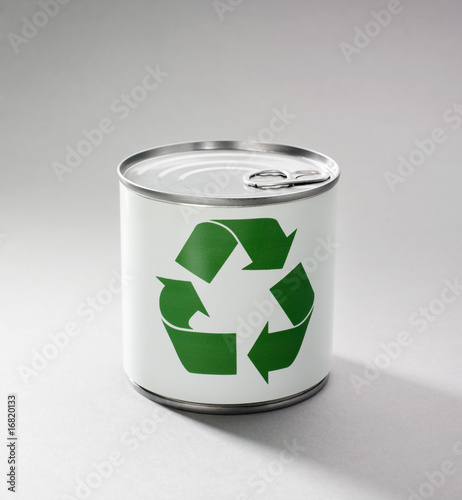 Logo recyclage vert en boite de conserve de laurent hamels photo libre de dr - Recyclage boite de conserve ...