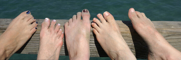 Girls' Sandy Feet