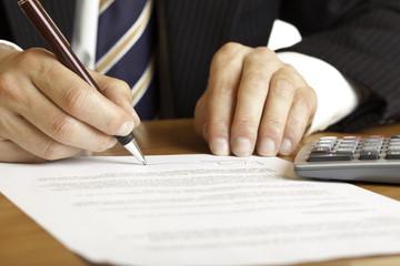 Signing of contract - Vertragsunterzeichnung
