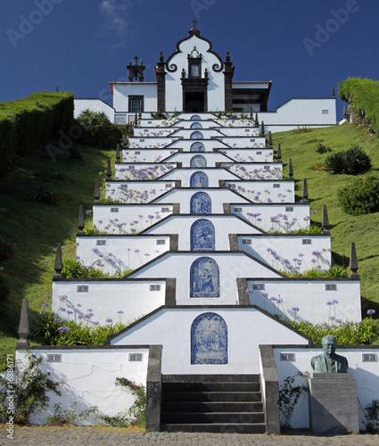 Aufgang zur Kirche Ermida da Nossa Senhora da Paz, Azoren