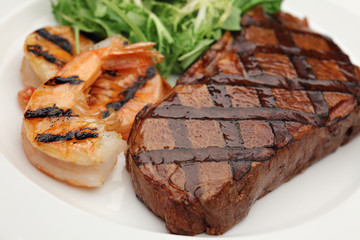 Grleed sirloin steak and shrimps