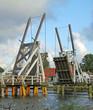 geöffnete Klappbrücke in Wieck 01