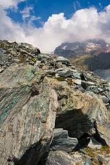 Panorama di rocce in alta montagna