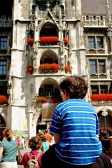 Bambino in spalla al padre - Monaco - Germania