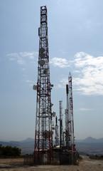 Repetidores de television en lo alto del monte Ezkaba (Nabarra).