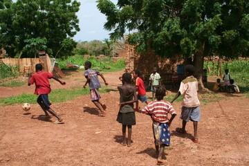 jeu d'enfants au village