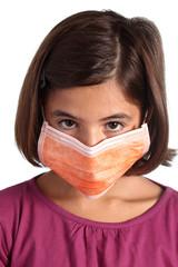 bambina con mascherina - prevenzione influenza