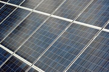 Photovoltaikanlage mit Einspiegelung