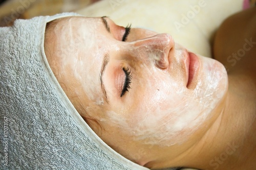 Silverbeauty salon series, facial mask applying