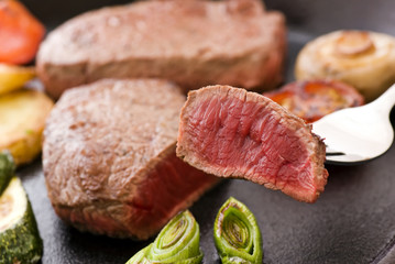 Steak auf Gabel