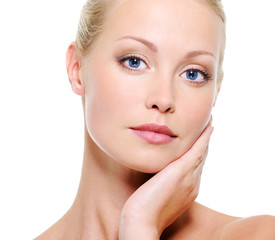 Portrait of beauty woman with healthy skin