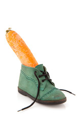 Shoe with carrot