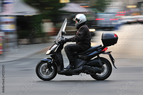 Scooter move - 17231345