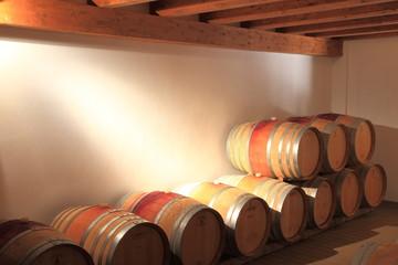 Barrique, Rotwein, Weinfässer, Weinkeller, Holzfässer