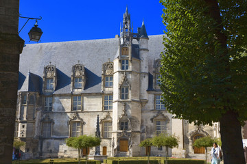 france; oise; beauvais : palais épiscopal