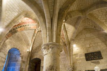 france,oise,beauvais : palais épiscopal, plafond et colonne