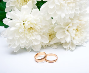 rings and white chrysanthemum