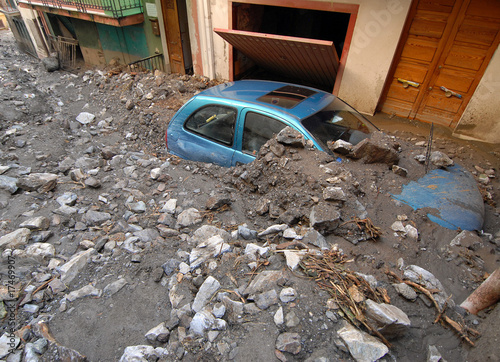 frana sicilia 12 - 17469907