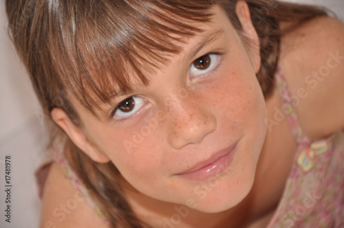 petite fille souriant by Bred&Co, Royalty free stock photos ...