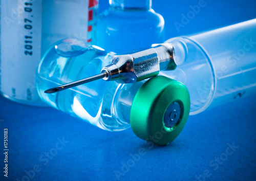 Medical syringe and phials