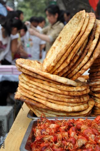 Keuken foto achterwand Boodschappen Pain musulman sur le marché à Xian, Chine