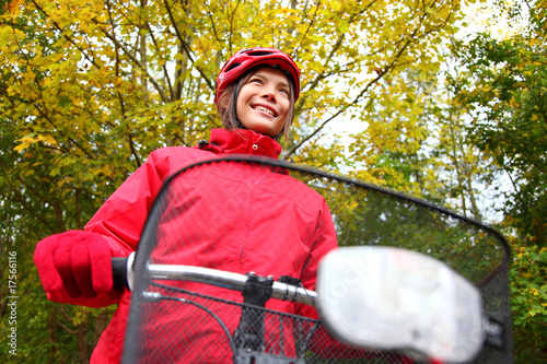 Fall bike woman