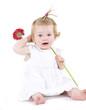 Kleinkind mit Blume