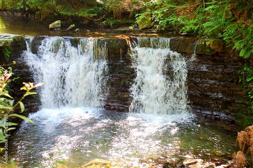 Mały wodospad górski (Beskidy)