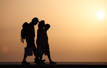 silhouette of jung family