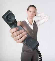 femme d'affaires conversation téléphonique déception