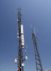 Repetidor de telefonia en lo alto del monte Ezkaba (Navarra).