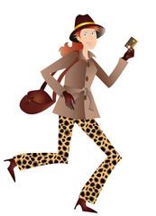Femme rousse en manteau marron et pantalon panthère