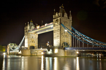 Tower Bridge at night, looking downstream