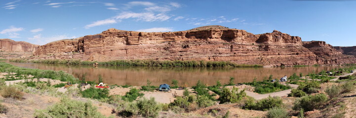 camping on the colorado riverside