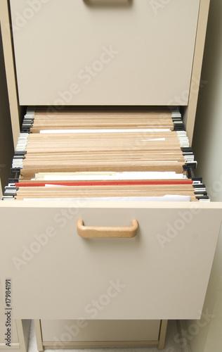 Mueble archivador con carpetas colgantes de mick20, imagen libre de derechos ...