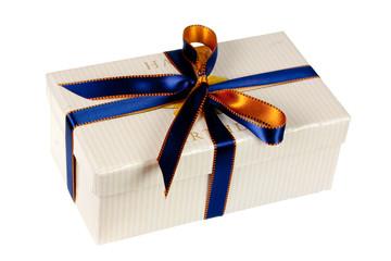Geschenk mit gold - blauer  Schleife,freigestellt