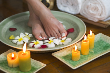 Relaxing aromatherapy spa for feet 7