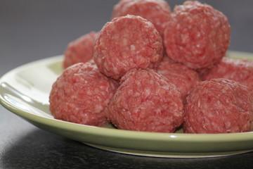 Meat balls raw
