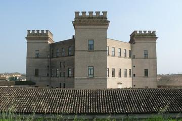 castello simmetrico