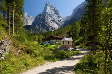 Kapelle vor dem Kaisergebirge in Tirol
