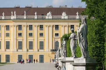 Wien, Schloss Schönbrunn, Statuen