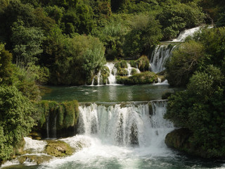 Green waterfall (1)