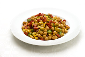 chickpea salad with red peppers, sweet corn and cucumber