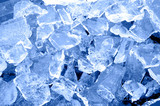 Eis in Stücke zerbrochen