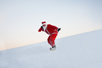 Snowboarding mit Weihnachtsmann