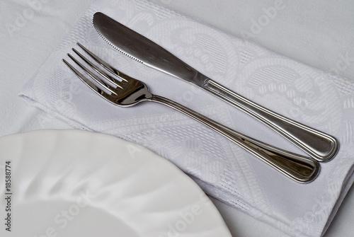 Plato cuchillo y tenedor de angel simon imagen libre de for Plato tenedor y cuchillo