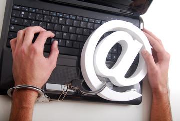 Cyberdépendance - Prisonnier d'internet