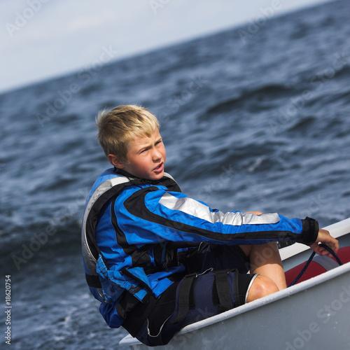 kleines Boot-großes Wasser